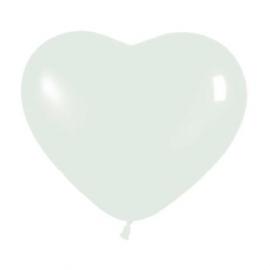 Globo con forma de corazón blanco