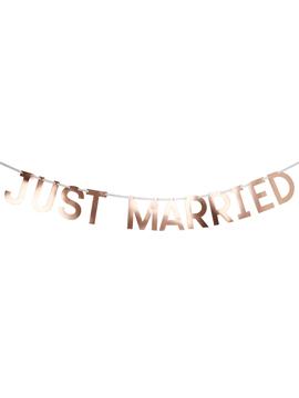 Guirnalda Just Married
