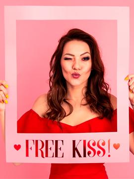 Marco Selfie Free Kiss