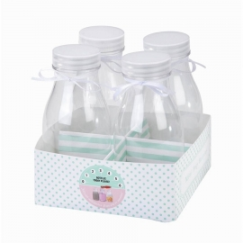 Pack de 4 mini botellas de leche.