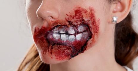 Maquillaje Boca de Zombie